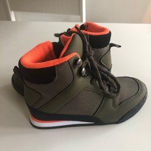 NWOT GAP boots